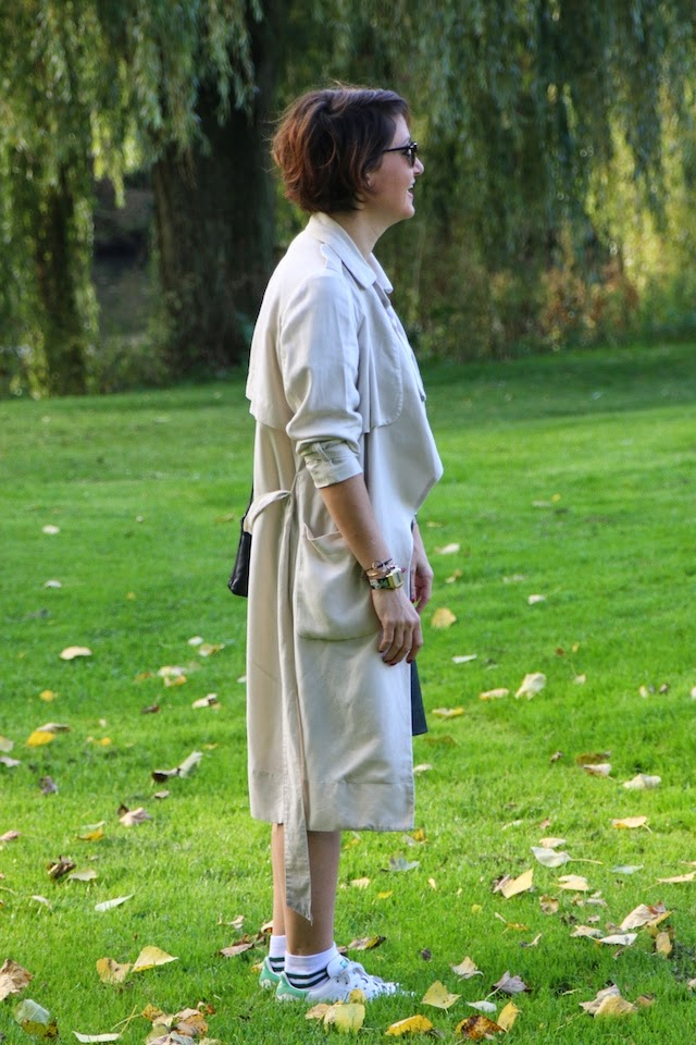 juste juliette, trench, jupe cuir, jupe crayon, stan smith, chaussettes tennis, celine, triobag, fashion blogger, blog mode lille